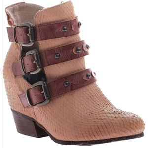 Anthro OTBT Valley View ankle boots in brownstone